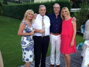 Agnes, Helmuth und Marion De Carli mit Dirk Galuba